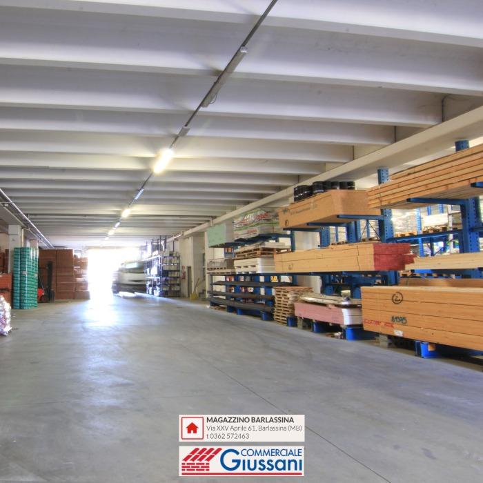 Giussani magazzini materiale edile barlassina carico coperto 1